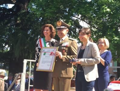 Il Generale Errico Ritira La Cittadinanza Onoraria Del Comune Di Majano All\'Esercito Italiano